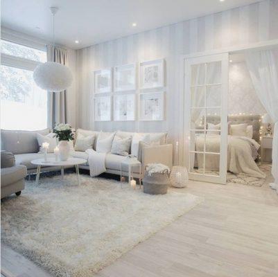 Olohuoneen kaunis valkoinen sisustus