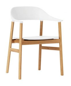 Normann Copenhagen Herit tuoli käsinojilla, valkoinen