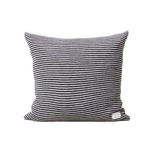 Form & Refine Aymara tyyny, Stripes